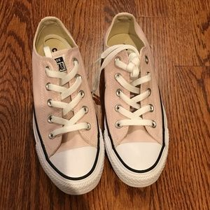 Low top Converse unworn!